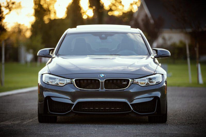 Potrzebujesz oryginalne części do BMW? Sklep internetowy pomoże w zakupie części do naprawy samochodu!